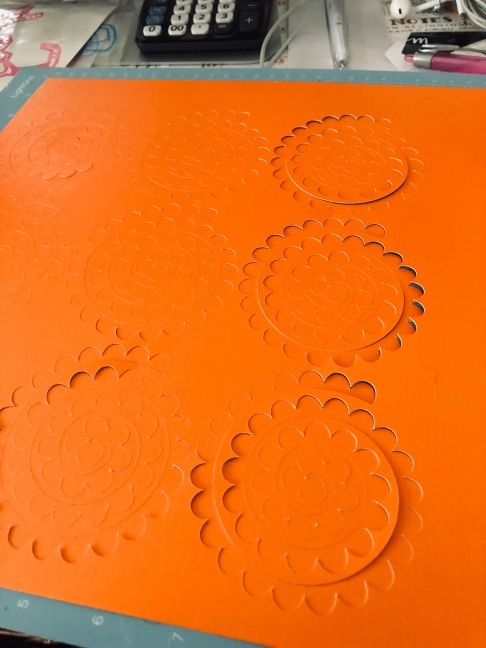 Full mat of cut spirals