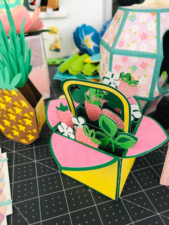 Miss Rita Makes Detailed Box Cards from SVG Cuts – Miss Rita to the